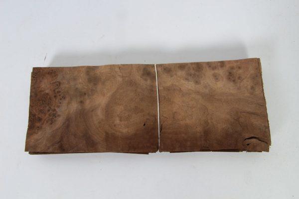 L 30 cm x B 11 cm 23 bladen