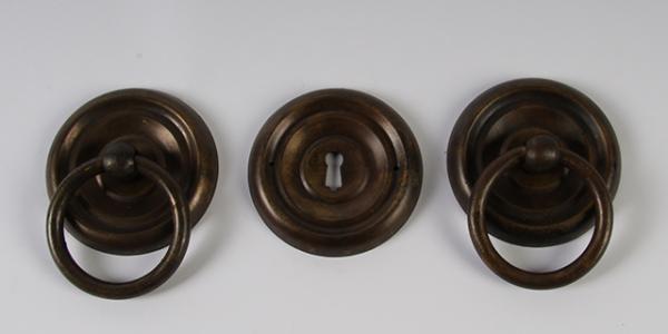 Ring beslag 65 mm doorsnee, gepatineerd